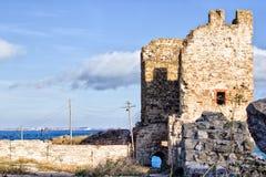 Руины Genoese крепости и Чёрного моря Стоковое фото RF