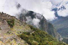Руины Inca Machu Picchu в облаке Стоковое Фото
