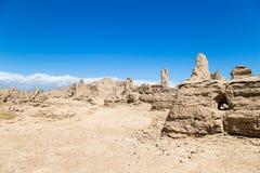 Руины Jiaohe, Turpan, Китай Старая столица королевства Jushi, это было естественной крепостью на крутом плато стоковые фото