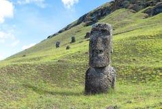 Руины Moai в острове пасхи, Чили Стоковые Изображения