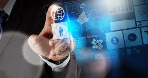 Рука бизнесмена работая с новым современным компьютером Стоковое фото RF