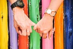 Рука - внутри - рука Стоковые Фотографии RF