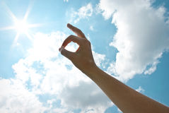 Рука в небе Стоковое Изображение RF