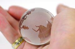 рука глобуса стоковое фото rf