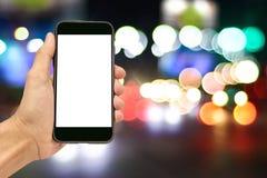 Рука держа умные спецификации телефона и экземпляра Стоковая Фотография RF