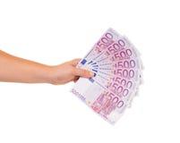 Рука держа 500 счетов евро Стоковые Фото