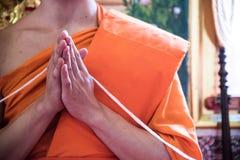 Рука монаха стоковое изображение