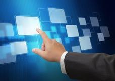 Рука нажимая на интерфейсе экрана касания Стоковая Фотография