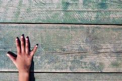 Рука, номера и древесина Стоковое фото RF