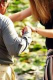 рука папаа помогая s Стоковая Фотография RF