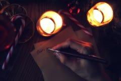 Рука пишет год желания Стоковое Изображение RF