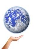 Рука показывая землю Стоковое Изображение