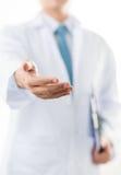 Рука помощи доктора стоковая фотография rf