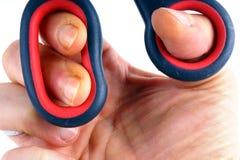 Рука с ножницами Стоковые Фото