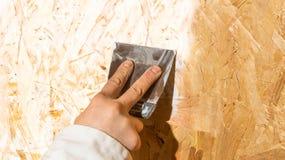 Рука с шпателем Стоковые Фотографии RF