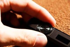 Рука с mp3 плэйер Стоковое фото RF