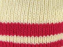 Рука текстуры вязать белый и красный цвет стоковые фотографии rf