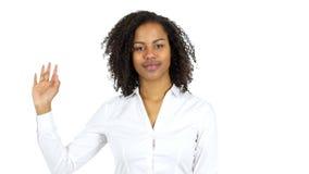 Рука чернокожей женщины развевая, здравствуйте! видеоматериал