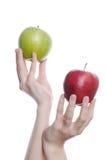 рука 2 яблока Стоковые Фото