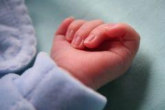 рука s младенца Стоковые Изображения