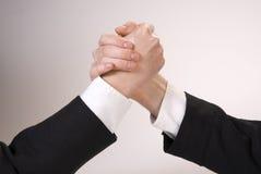 рука wrestling Стоковые Фото