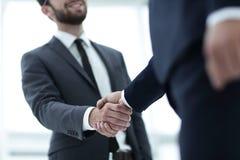 руки бизнесмена трястия 2 Стоковое Фото