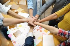 Руки группы в составе businesspersons Стоковое Фото