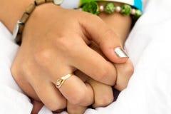Руки девушки Стоковые Фотографии RF