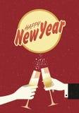 Руки держа провозглашать шампанского стеклянный бесплатная иллюстрация