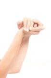 Руки женщины с французским manicure Стоковое Фото