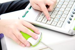 руки компьютера childs Стоковое фото RF