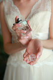 Руки невесты Стоковые Фото