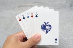 Руки одного покера пар стоковое изображение rf