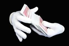 руки перчаток карточек пакуют играть белизну стоковое фото
