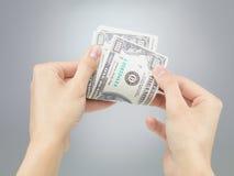 Руки подсчитывая деньги Стоковое фото RF