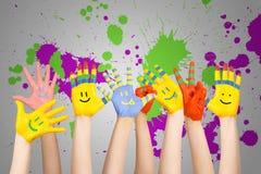 Руки покрашенных детей Стоковое фото RF