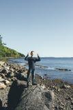 Руки поднимают мальчика Стоковая Фотография RF