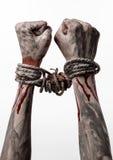 Руки прыгают, кровопролитные руки, грязь, веревочка, на белой предпосылке, изолированный, похищая, зомби, демоне Стоковая Фотография