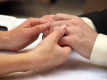 руки соединяют влюбленность Стоковое фото RF
