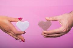 Руки человека и женщины Стоковые Изображения RF
