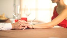Руки любовников сток-видео