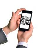 Руки Businessmans держа smartphone Стоковые Фотографии RF