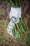 руки groom невесты букета bridal стоковое фото