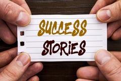 Рукописный знак текста показывая истории успеха Концепция дела для успешного роста образования достижения воодушевленности написа стоковое фото