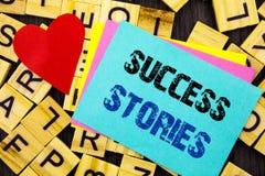 Рукописный текст показывая истории успеха Рост образования достижения воодушевленности схематического фото успешный написанный на стоковое изображение