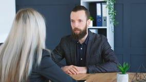 Рукопожатие вакансии компания-заявителя собеседования для приема на работу сток-видео