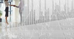 Рукопожатие дела на сияющем поле с серым переходом диаграммы финансов Стоковая Фотография RF