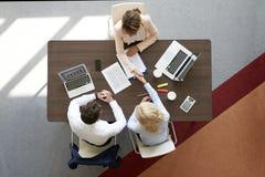 Рукопожатие на деловой встрече Стоковое фото RF
