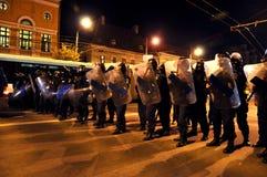 Румынское насилие жандармерии и полиции ругательное против мирных протестующих Стоковые Фотографии RF