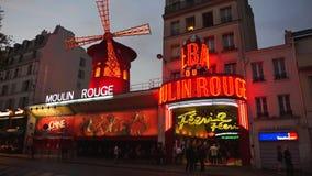 Румян Moulin в Париже Франции видеоматериал